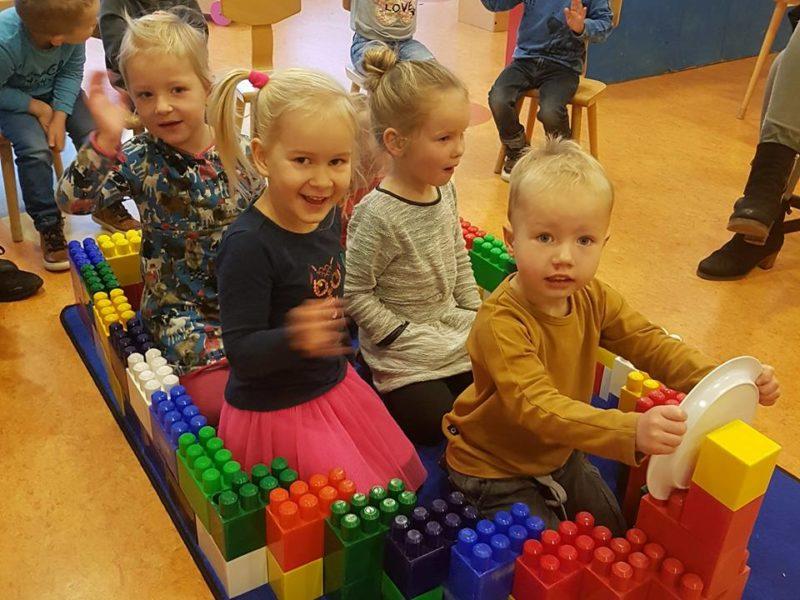 Peuteropvang Jodocus Feanwalden peuterspeelzaal spelen Kids First COP groep Friesland