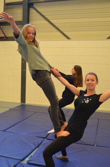 Circusdag Assen en Bovensmilde Kids First COP groep - Bombari